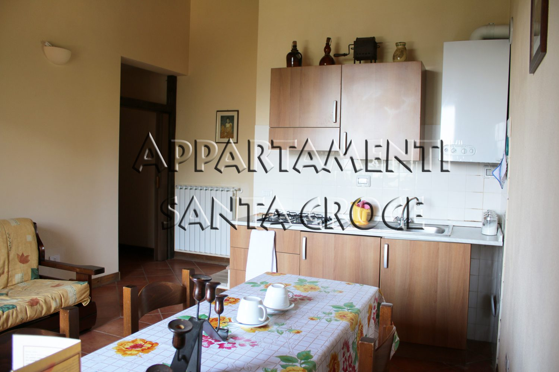 Appartamento Umbriano: soggiorno con angolo cottura